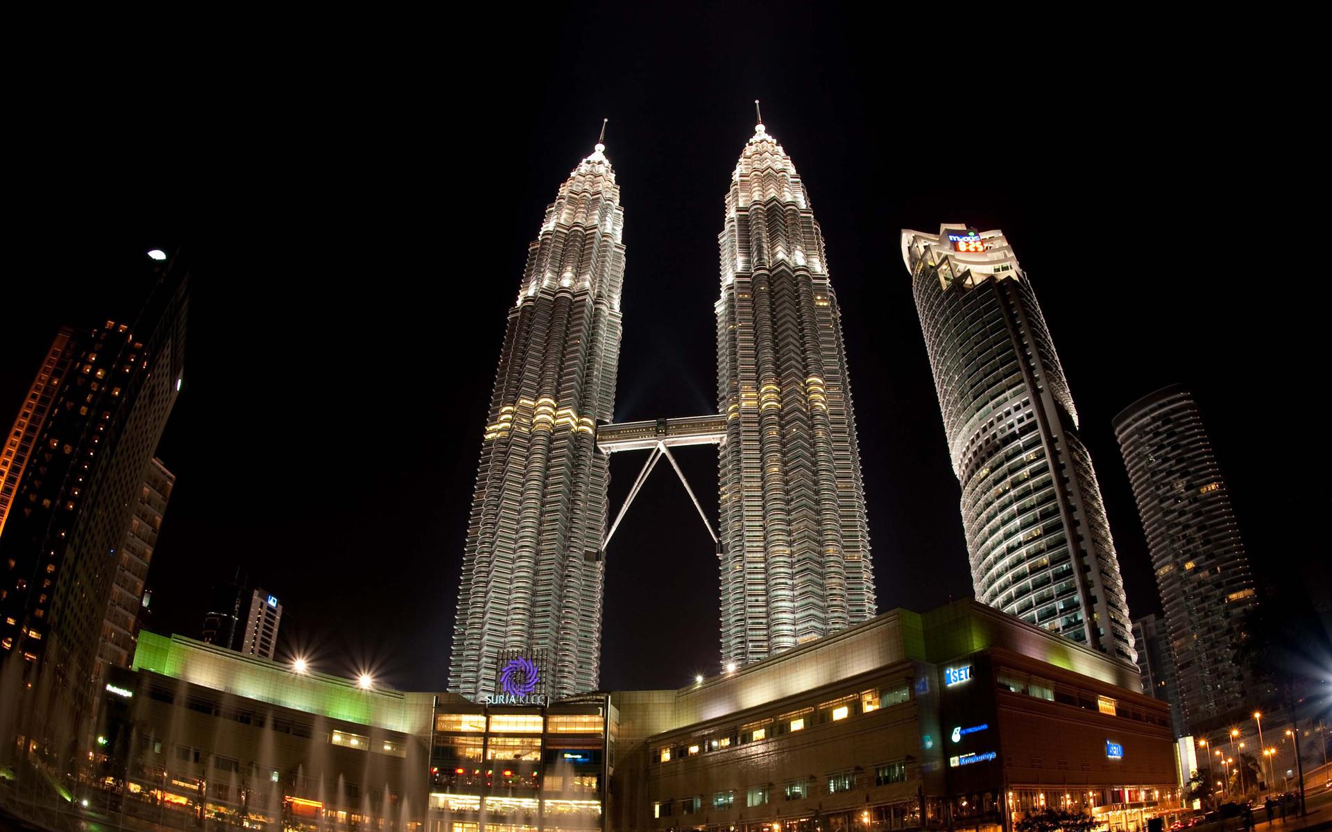 Башни Петронас в Куала-Лумпуре - Наша Планета